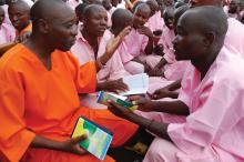 In jedem einzelnen Gefängnis aus Ruanda ist Criminon das bewilligte Programm für das Rehabilitieren und Wiederintegrieren von an Massakern Beteiligten. Heute haben über 8.000 Gefangene das Programm abgeschlossen und sind entlassen worden.