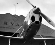 Die Ryan ST, mit der er Experimente durchführte, fotografiert von L.Ron Hubbard für den Sportsman Pilot.